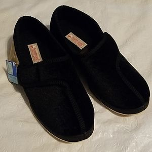 Foamtreads Black Velcro Closure Shoes Sz 6.5M NEW